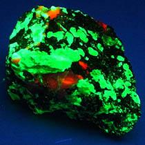 珪酸亜鉛鉱(蛍光後)