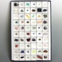 鉱物標本60種